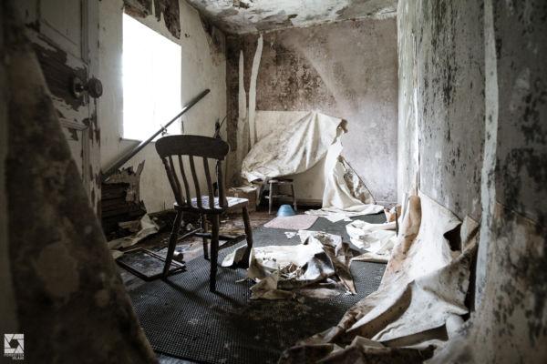 Abandoned Roadside Cottage